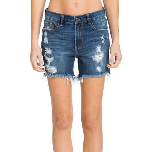 Clothing, Shoes & Accessories Shorts Cello Jeans Size Medium Cut Off Shorts Distressed High Waisted Frayed Hem